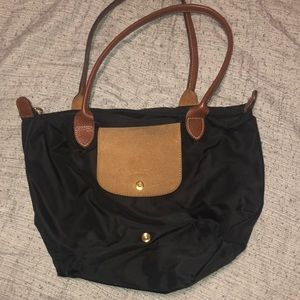 Black longchamp purse